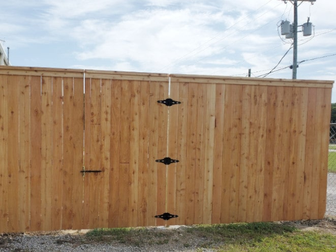 Cedar Roll Gate Molding 8ft