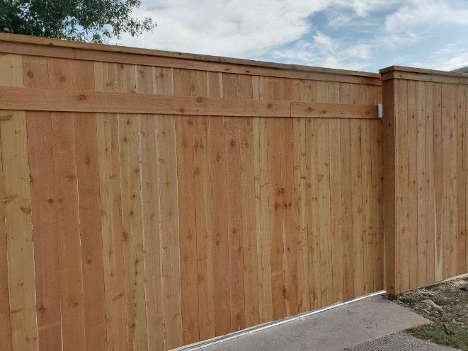 Cedar Roll Gate Cap Molding 8ft